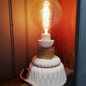 Lampe en porcelaine et bois